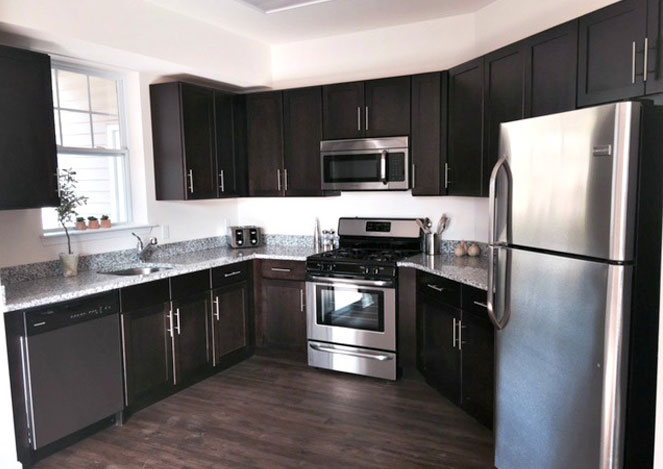 Spacious 1 and 2 Bedroom Apartment Homes with 1 to 2 Baths and up to 1,297 square feet of living space